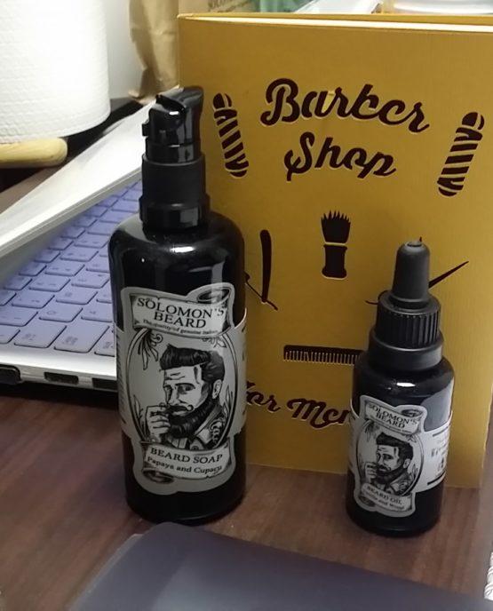 Quaderno 7 Nodi Barbertools presso un barbiere