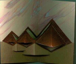 kirigami piramidi