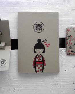 biglietto e quaderno kokeshi 03